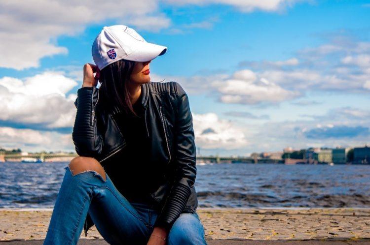 girl travelling australia