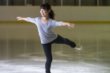 why wearing ice skating apparel is so important